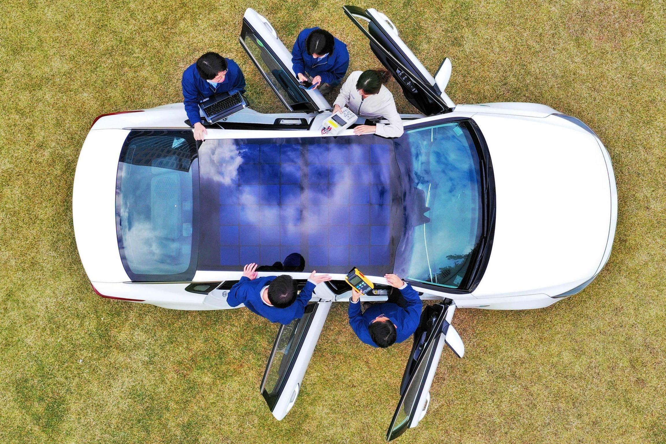 Afbeelding voor Hyundai onthult oplaadsysteem op zonne-energie voor toekomstige geëlektrificeerde auto's