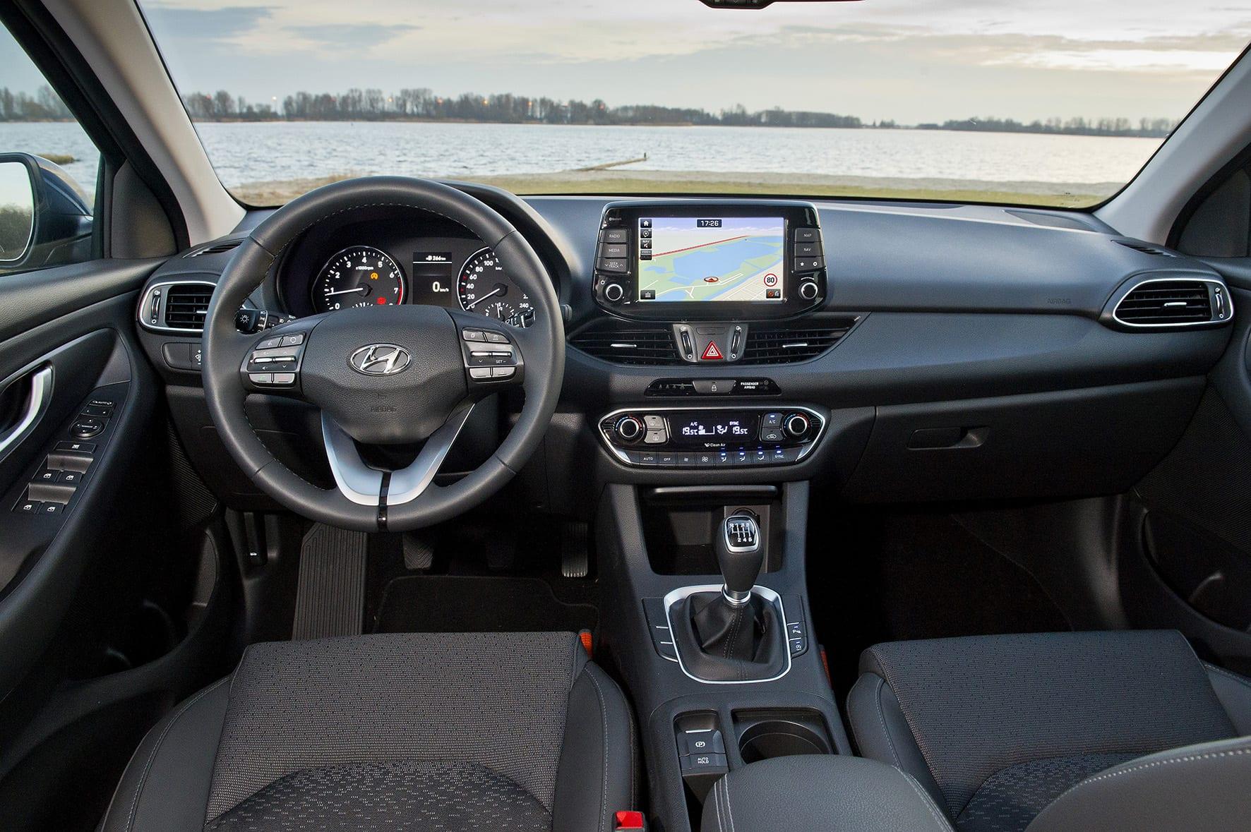 Hyundai i30 interieur dashboard