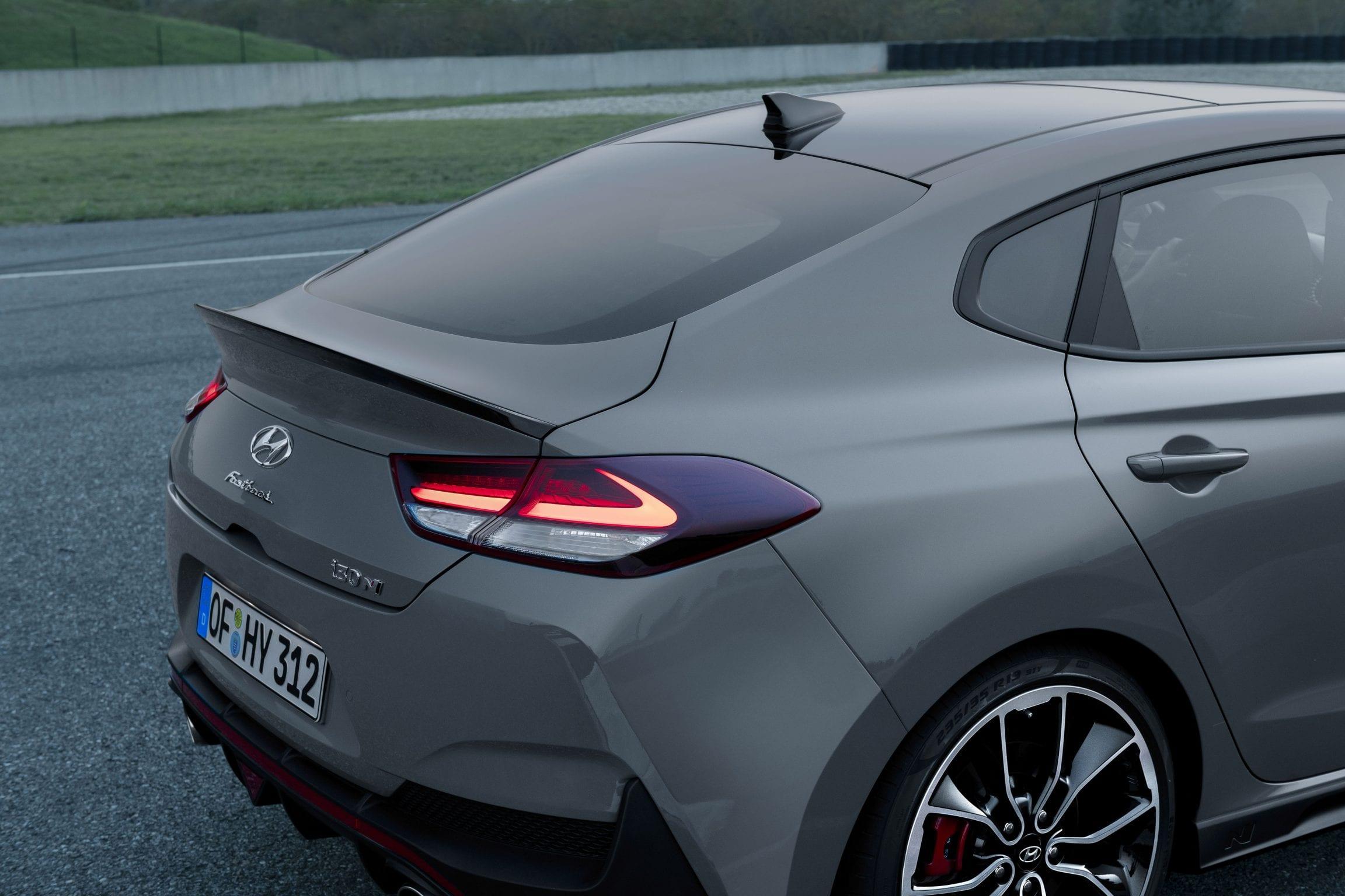 Hyundai i30 Fastback N achterzijde