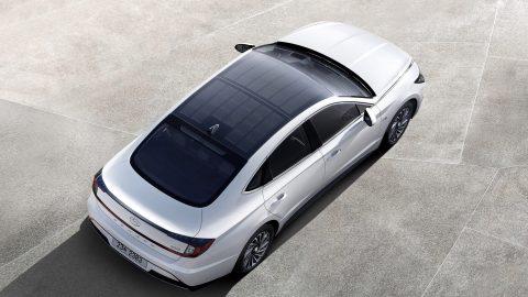 Afbeelding voor Hyundai introduceert zijn eerste hybride-model op zonne-energie